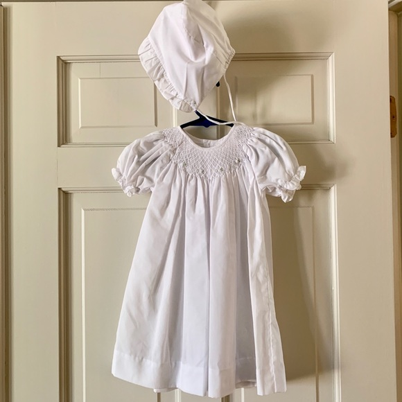 Petit Ami Other - White smocked dress. In perfect condition!